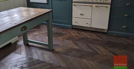 Vintage French oak chevron brings 19th century elegance to Bloomsbury Mansion flat, WC1B