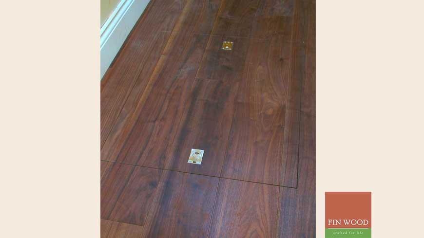 Access panel in wooden floors craftmanship 4