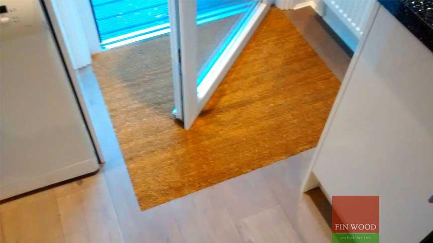 Integrated doormat in wooden flooring craftmanship 7